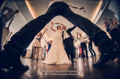 Le 7 foto con le tue scarpe da sposa che non possono mancare nell'album di nozze