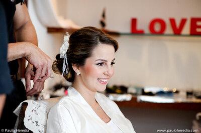 Dica de beleza para noivas: fascinators, coques e arranjos de cabelo em destaque