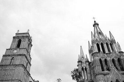 Romance perfecto en un pueblo mágico: Échale un vistazo a esta mágica callejoneada en San Miguel de Allende
