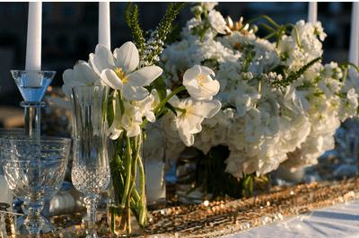 Color al natural: Los centros de mesa con flores más elegantes para tu boda en 2014