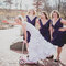 Szalone zdjęcia ślubne: Panna Młoda na hulajnodze, Foto: Robb Davidson