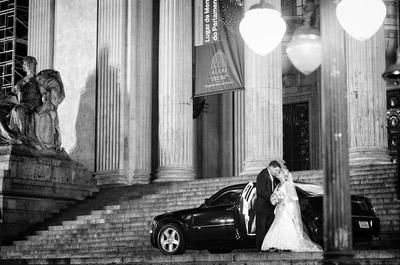 Como escolher o carro para a chegada ao casamento? Veja aqui os detalhes importantes para acertar nesta escolha!