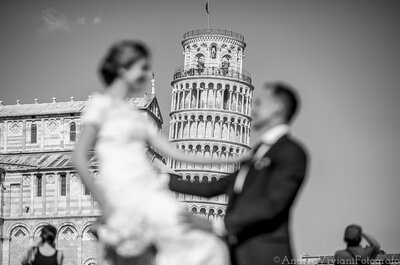 Romanticismo italiano e la Torre di Pisa come sfondo per il matrimonio di Bente e Robert