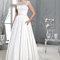 Długa suknia ślubna z połączeniem koronki, Foto: Agnes 2015