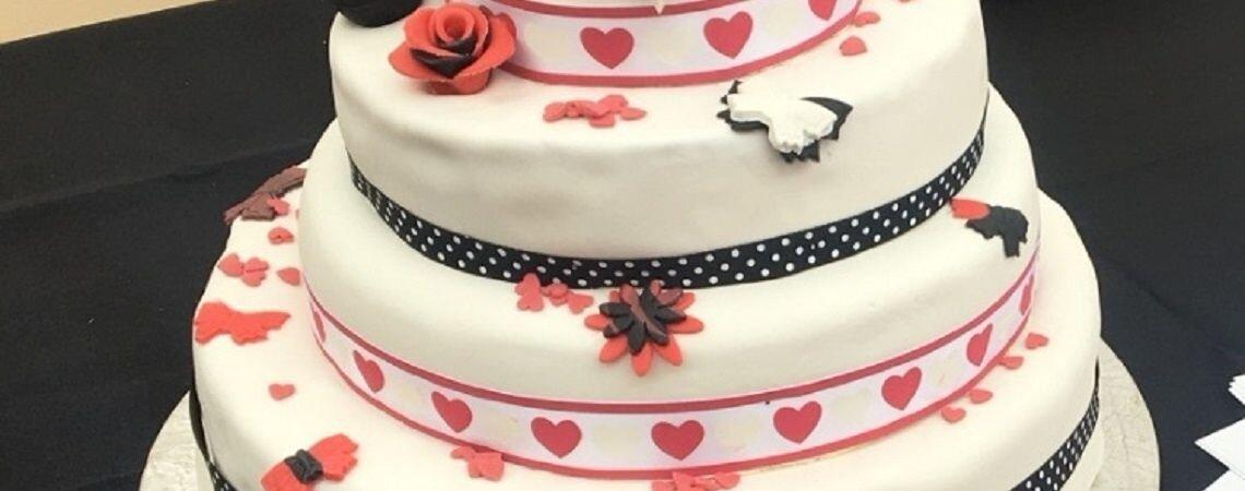 Personnalisez votre gâteau de mariage avec des produits frais et de saison : Nébuleuse gourmande