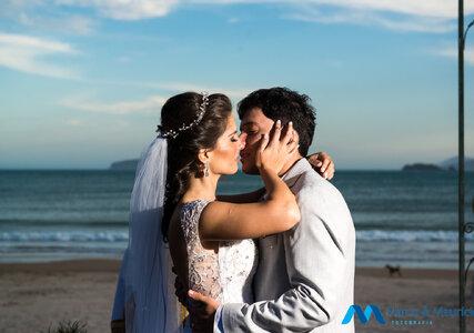 Destination wedding de Paula & André: um final de semana de muito amor e dança, na paradisíaca praia de Geribá em Búzios