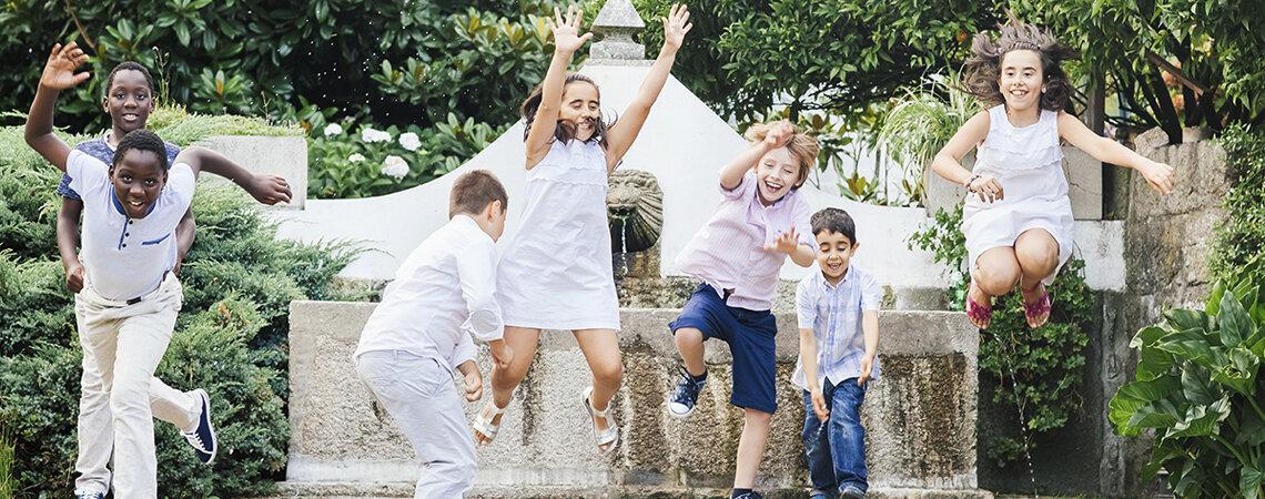 Como entreter as crianças durante um casamento: as ideias mais originais e divertidas