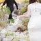 Os noivos caminharam juntos pelas pedras do Gerês: romântico!