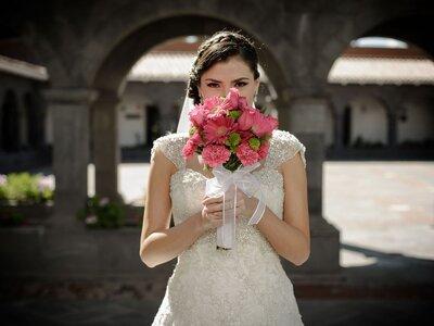 ¿Por qué elegir un segundo vestido de novia para el día de tu boda? ¡Seis motivos que te convencerán!