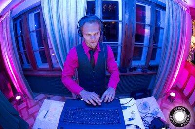 Wie finde ich den perfekten Hochzeits-DJ für meine Traumhochzeit?