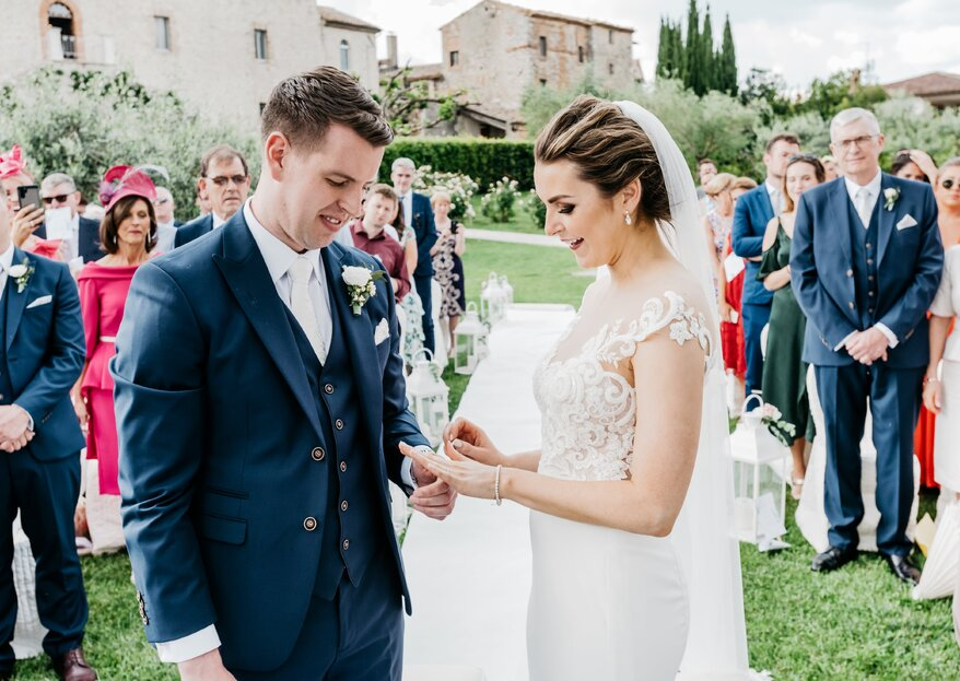Laura and Cian: an Exchange of Irish Promises in the Romantic Countryside with the Precious Support of the Staff at Castello di Montignano