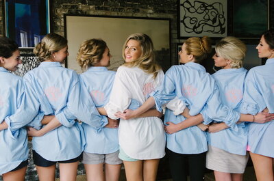8 Things That All Brides Should Do On Their Wedding Day: Get Ready in Style!