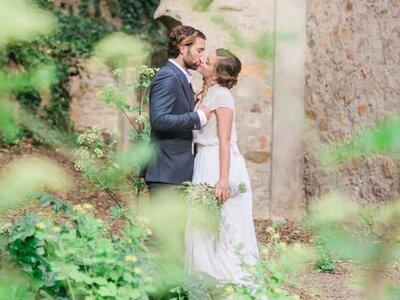 Wie wird die Braut richtig geküsst? Der Hochzeitsprofi von Your Perfect Day verrät es uns im Video