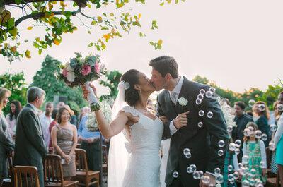 Tatiana & Humberto: casamento ao ar livre lindo no jardim da casa!