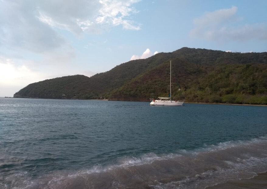 ¿Tu boda en el mar? ¡Conoce el Velero Santa Marta!