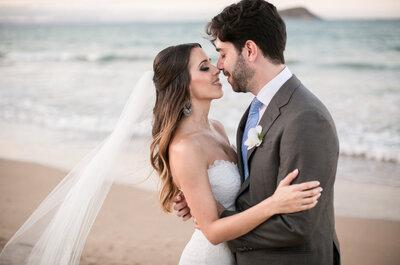 Gabriela & Samir: destination wedding  com os pés na areia em Búzios