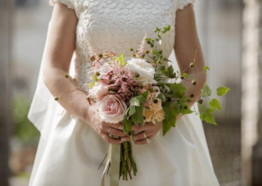 6 trucchetti per far durare più a lungo il bouquet da sposa