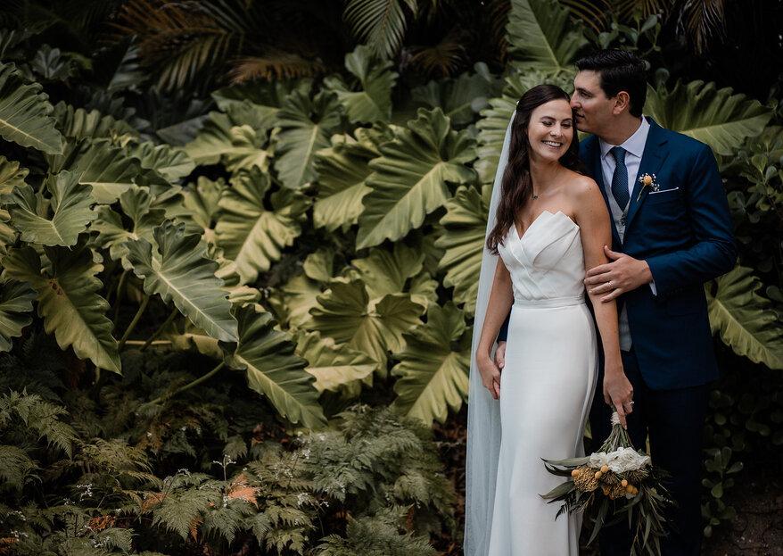 Clara & Charlie: Casamento tropical-chic deslumbrante no Rio de Janeiro