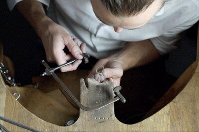Comment créer sa bague de fiançailles sur mesure avec Galeries du Diamant