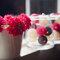 Decoración de boda con flores rojas