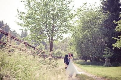 Laura & Nils: Idyllische Sommerhochzeit im Grünen