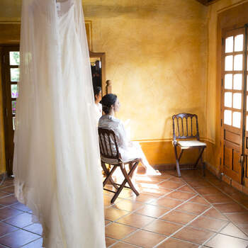 Preparativos de la novia | Foto: Raúl González Estudio de Fotografía
