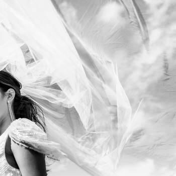 Foto: Rika Conradi | via ANKii | My VINTAGE BOUDOIR Jurk: Eliza Jane Howell | Jewelry: Abrazi Jewelry | Sluier: Randy Fenoli by Poirier Bridal