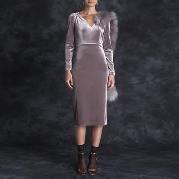 Vestido de veludo lilás. Credits: Bruna Coleccion
