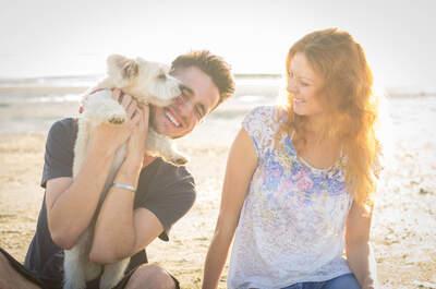 Pro e contro di adottare un cane all'inizio della convivenza