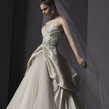 "<a href=""http://www.sotteroandmidgley.com/dress.aspx?style=5SW135"" target=""_blank"">Sottero and Midgley Spring 2015</a>"
