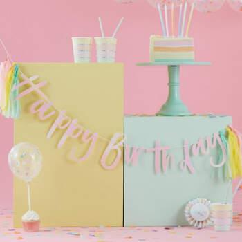 Feliz cumpleaños guirnalda pastel- Compra en The Wedding Shop
