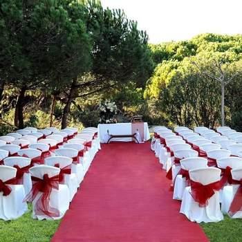Cuéntales tu idea y ellos la harán realidad... ¡Simplemente! Situado en Barcelona, es un lugar de referencia en cuanto a la celebración de bodas se refiere.