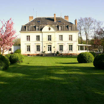 Photo : Le Manoir des Cygnes - En bordure de Seine à 35 kilomètres au sud de Paris, cette adresse vous dévoile un cadre absolument idéal.