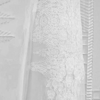 Dettaglio abito da sposa in pizzo