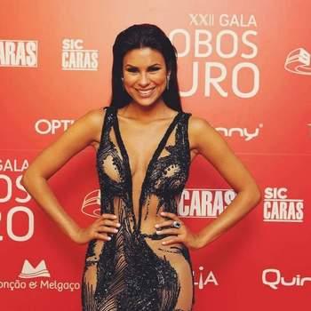 Foto via Instagram de Carol Loureiro | Vestido by Micaela Oliveira