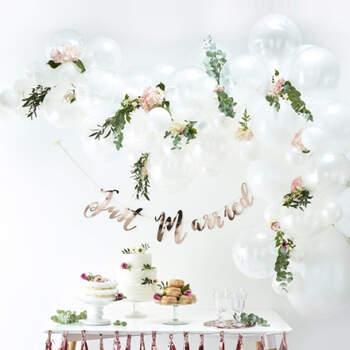 Arco de globos blanco 70 unidades- Compra en The Wedding Shop