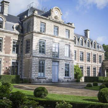 Photo : Château de Ranchicourt - C'est à 15 minutes de Béthune, en pleine nature et entouré d'arbres centenaires, que se dresse cette bâtisse.  Tous ceux qui s'y sont mariés ont reconnu la beauté de ce site magnifique, son très grand parc et les prestations sur-mesure qui y sont fournies.
