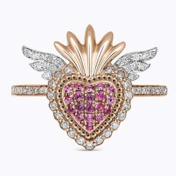 Sortija de oro rosa con zafiros rosas y brazos con diamantes. Credits: Suarez