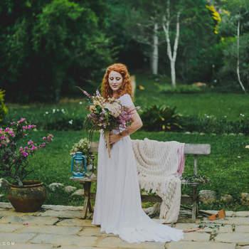 Muito verde é fundamental num casamento com estética natural. Foto: Thay Rabello Fotografia