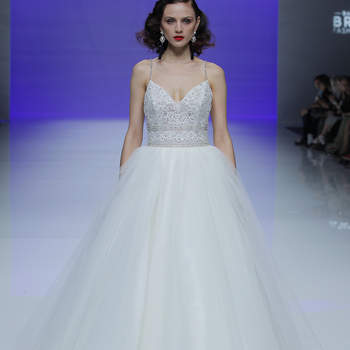 Maggie Sottero. Credits_ Barcelona Bridal Fashion Week (1)