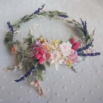 81834b40d7482 63 coronas de flores para novias