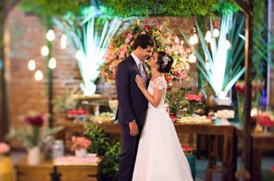 Casamento de Débora & Mário: decoração rústica em tons de rosa e pista de dança animadíssima