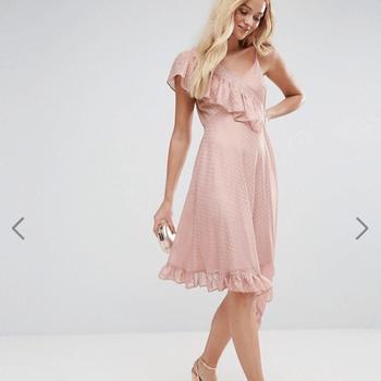 ASOS Asymmetric Midi Tea Dress In Metallic Dobby (45,27€)