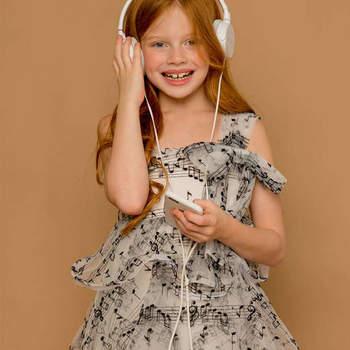 Vestido vaporoso para boda cálida. Credits: Jolie Minicouture