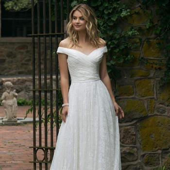 Modelo 44049, vestido de novia romántico con escote 'bardot'