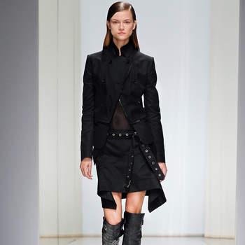 Gonna con cintura borchiata e giacchino in nappa nero