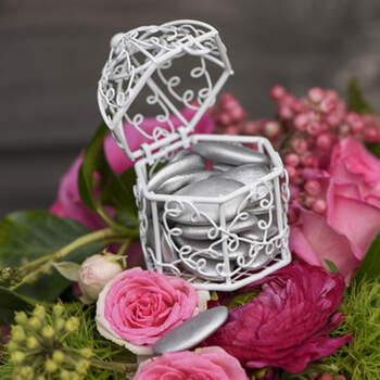 Jaula Blanca Para Almendras 2 unidades- Compra en The Wedding Shop