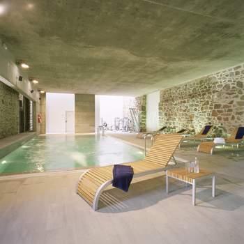 """El Parador de La Granja combina la tradición de un edificio histórico con elementos de lujo y relax para los sentidos como el spa Casa Infantes. Foto: <a href=""""http://zankyou.9nl.de/wdbk"""">Paradores</a><img src=""""http://ad.doubleclick.net/ad/N4022.1765593.ZANKYOU.COM/B7764770.4;sz=1x1"""" alt="""""""" width=""""1"""" border=""""0"""" /><img height='0' width='0' alt='' src='http://9nl.de/xyl3' />"""