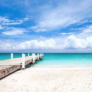Grace Bay - Ilhas Turcas e Caicos Via: Pinterest