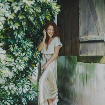 O vestido tem linhas simples, sem perder o charme. Foto: Thay Rabello Fotografia